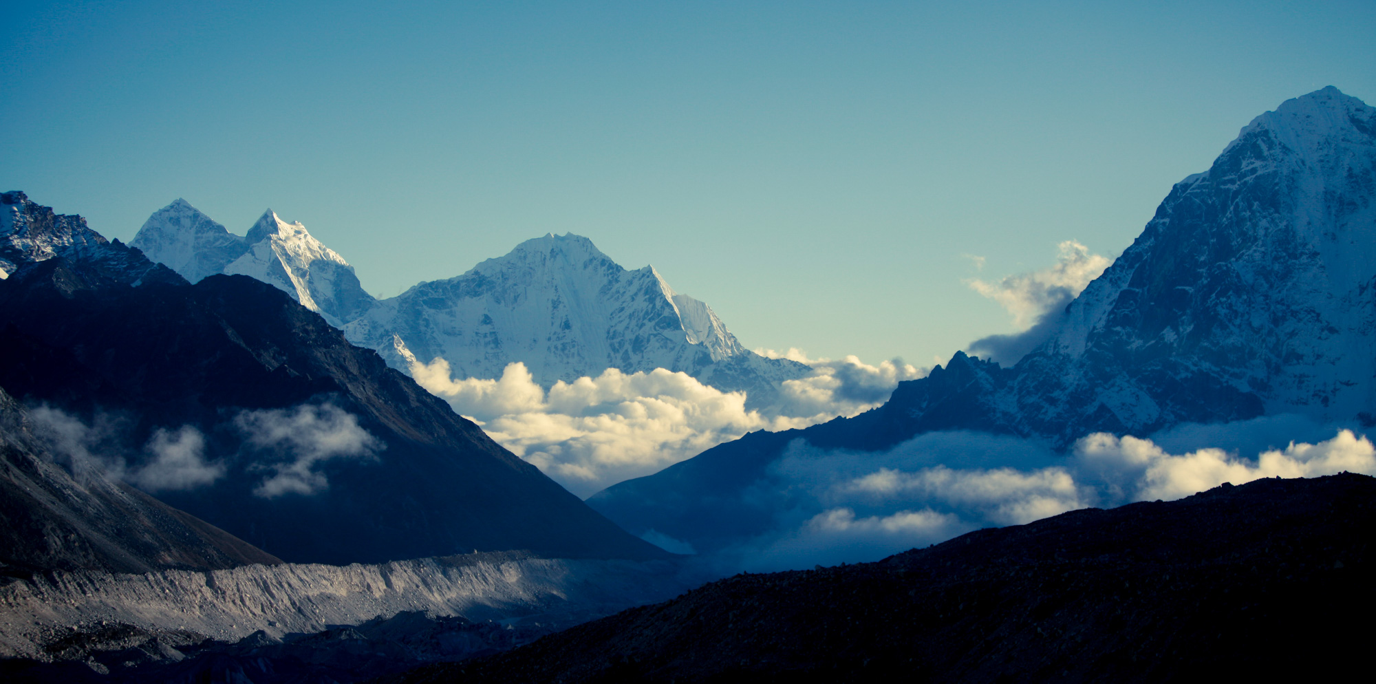 Clouds over mountains in Khumbu Valley in the Himalayas, Nepal | Travel Photography | Trekking | Nature Photography